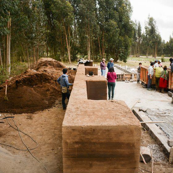 construcción de primera fila de tapial